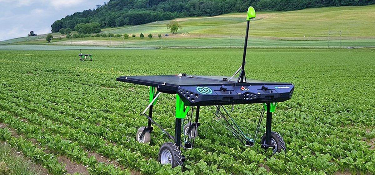 ecoRobotix weed robot