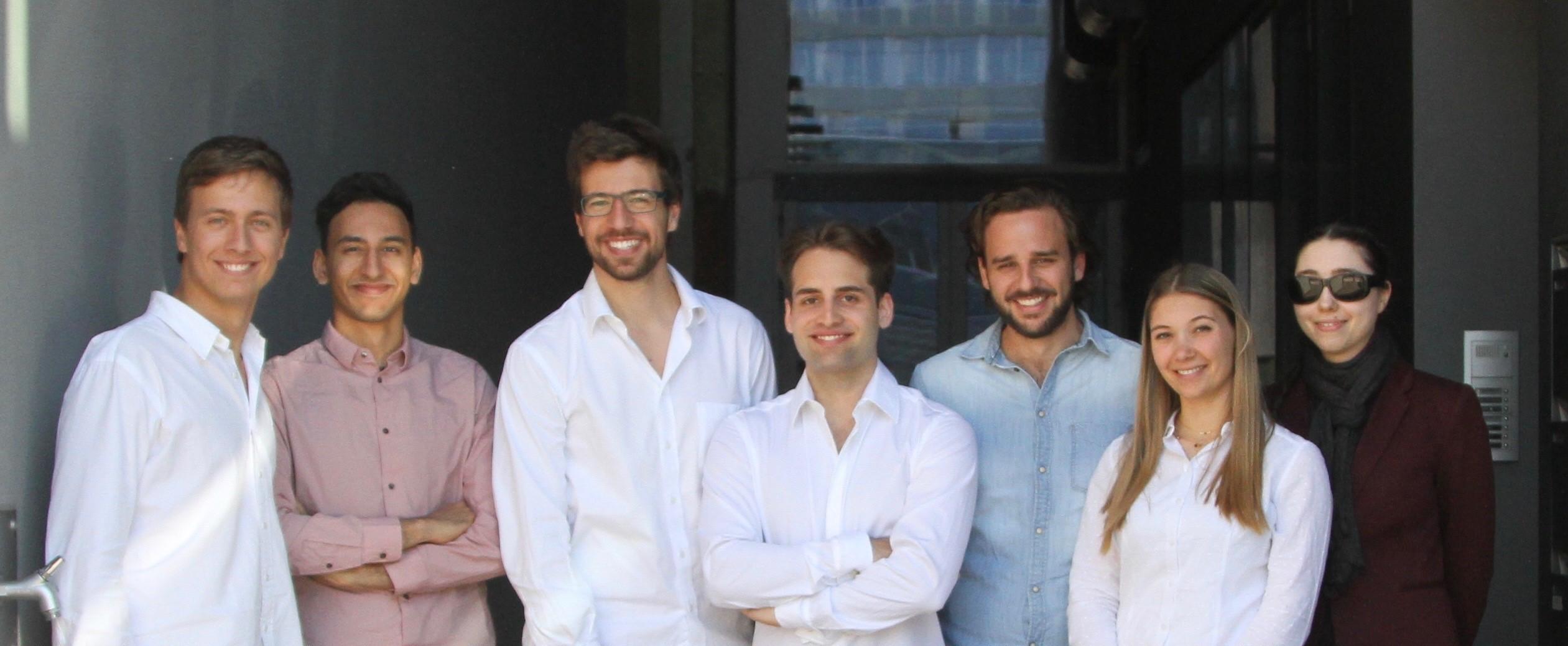 Veezoo Team